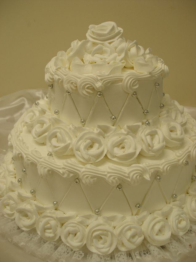 The Edible Pearls Add Richness And Beauty To A Wedding Cake