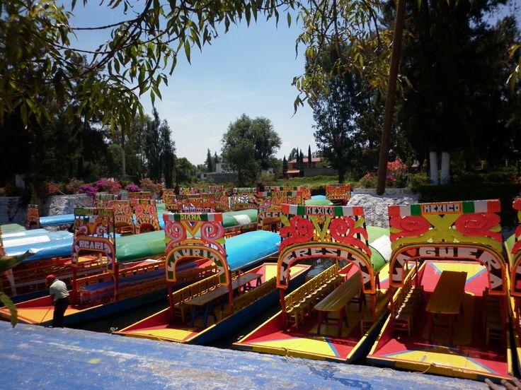 Trajineras de Xochimilco, México