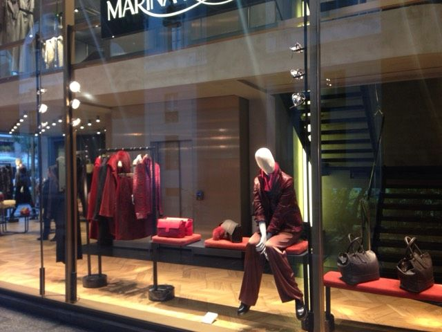 Window shopping at @marinarinaldiMR in Milan! Check out: http://www.shoppics.com/s/marina-rinaldi/bEoNzfkHN5