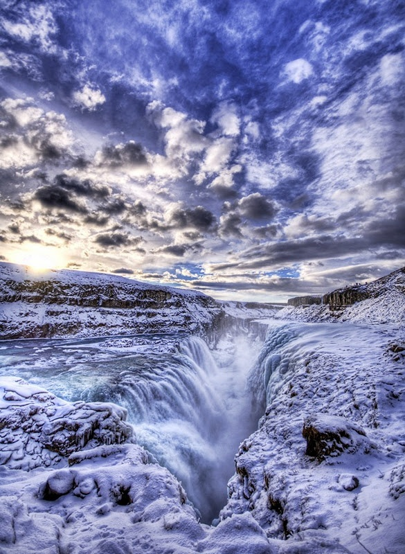 Gulfloss waterfall Iceland as seen on www.findingtheuniverse.com