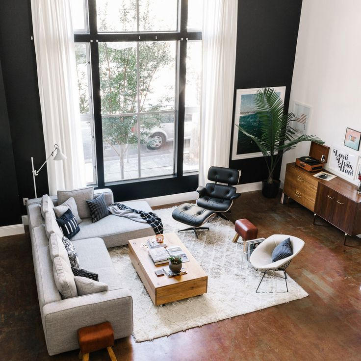 Ever see interior snaps on Instagram, and all of a sudden get filled with #instaenvy? Homepolish designer Angela Belt knows how you feel, so she gives her essential tips to ensure your living room is ready for its close-up