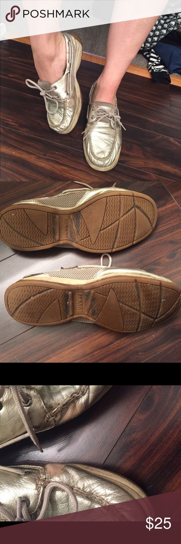 ‼️‼️‼️Sliver sperry boat shoes‼️‼️‼️ Amazing boat shoes. The most comfortable shoes ever. I have three other pairs so I'm downsizing. I've worn them a bunch but they don't smell and are still in pretty good shape. On the insides of the outside of the shoes there is some show of wear. If you need a pair of cheap boat shoes take these! Shoes Flats & Loafers