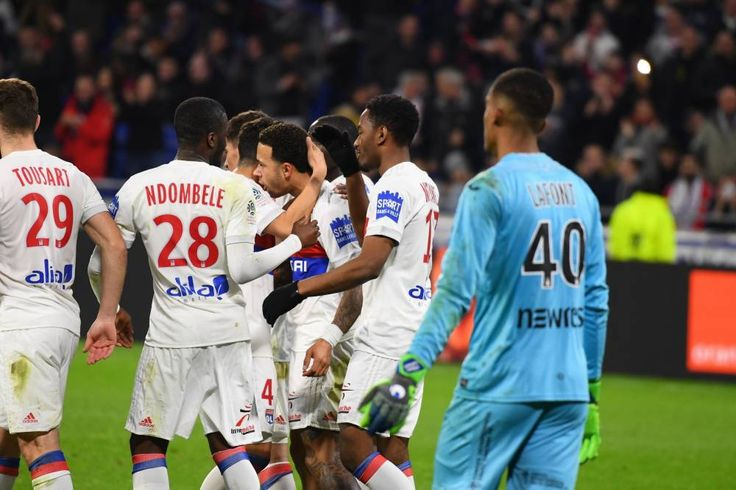 By dominating toulouse thanks to memphis depay lyon does