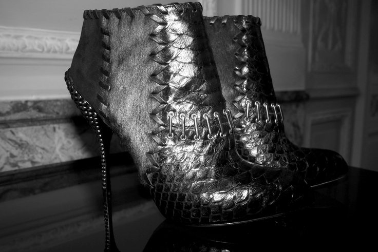 Sergio Rossi python and leather low boots: Rossi Python, Mid High, Sergio Rossi, High Heels, Sexy Shoes, Leather Low, Low Boots