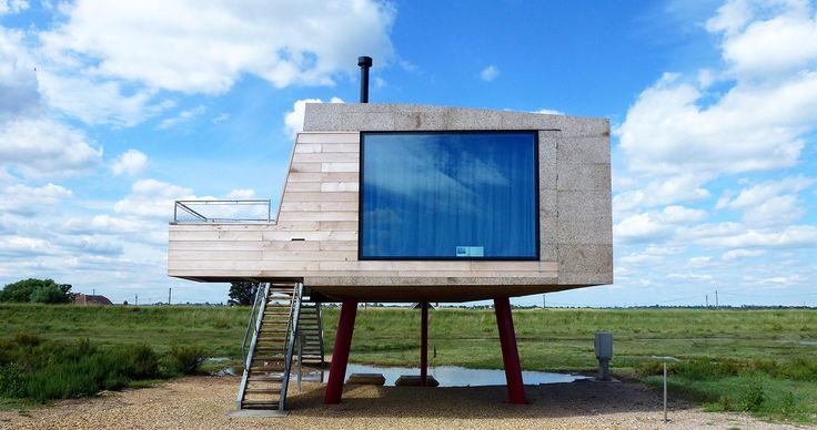 """A tiny beach shack in Essex wrapped in """"magic"""" cork panels"""