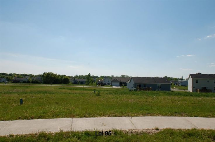 636 Mourning Dove Ct  Marshall , WI  53559  - $69,900  #MarshallWI #MarshallWIRealEstate Click for more pics