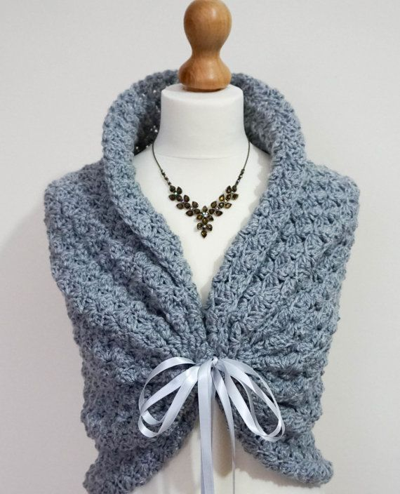 A beautiful and versatile winter wedding shawl or bridal cape that can be worn in many different ways. This wrap is the perfect shawl for your