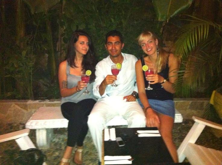 With Lauren (USA) and Oksana (Rusia) @ Krioyo