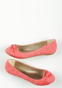 Shoes: Shoe Collection, Fashion Shoes, Dress Shoes & Sandals at dELiAs.com