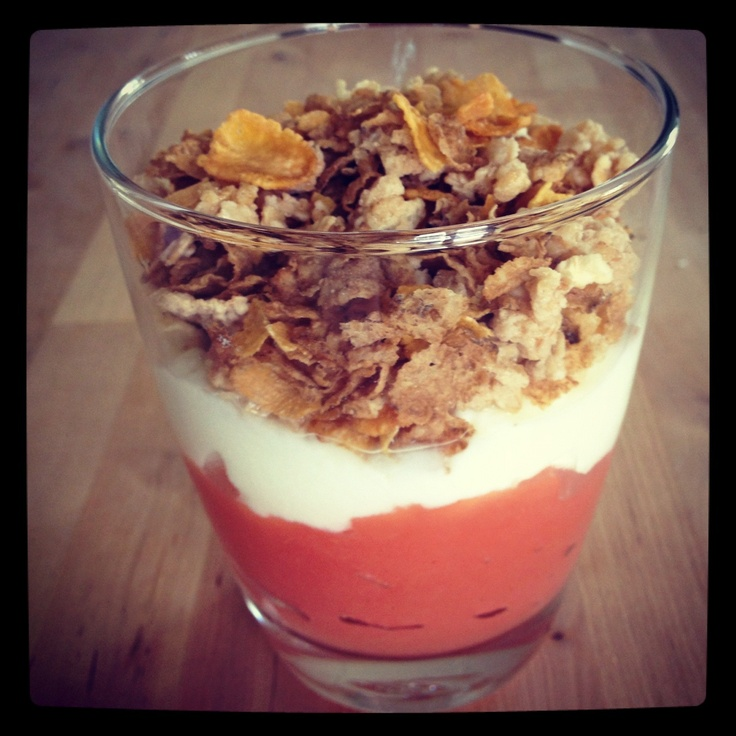 Breakfast crumble with cinnamon yoghurt - so good! 12WBT meal from Michelle Bridges