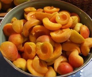 Little Green Cottage Designs: Best apricot jam recipe
