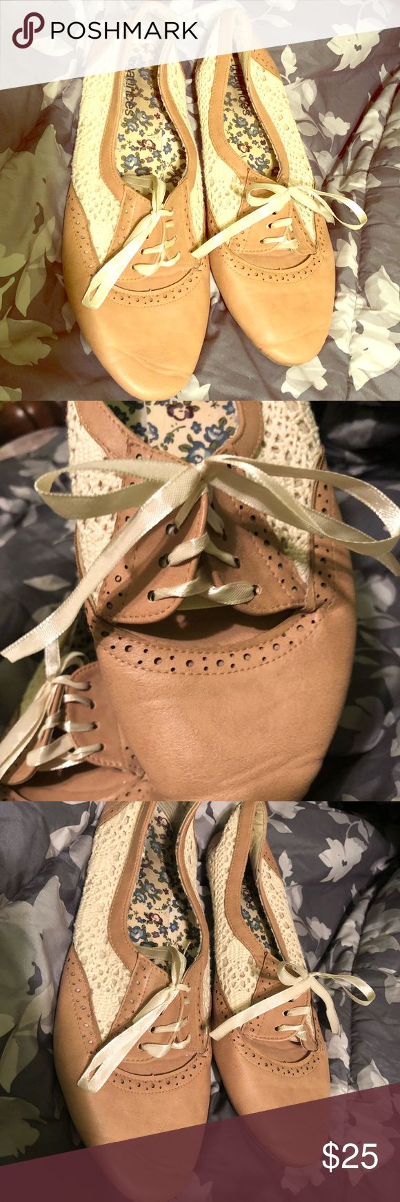 Maurice's Lace Oxfords These shoes are super lightweight and cute! Perfect with any outfit as well 😊 they have only been worn a handful of times and are still in great condition! Maurices Shoes Flats & Loafers