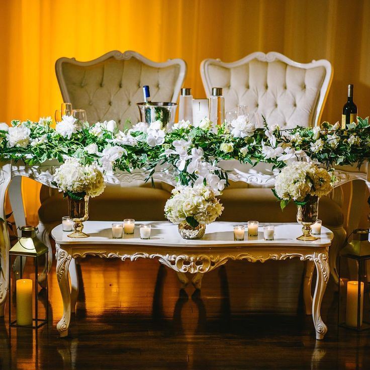 Thank you @bachmannphotography for this stunning photo from #gianvan2016 #headtable #floraldecor #florist #montrealflorist