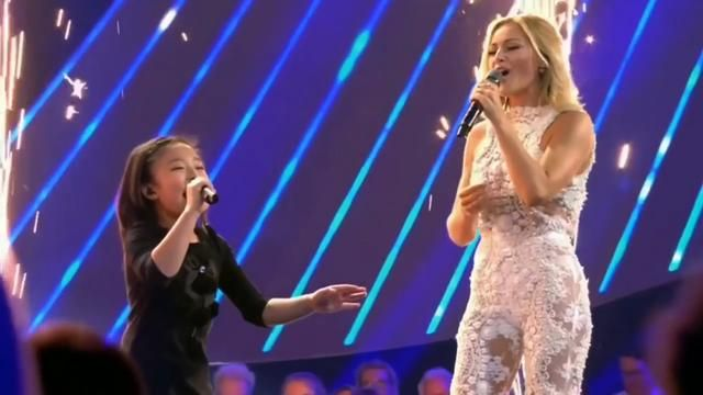 Celine Tam The Golden Girl Helene Fischer Amazing Duet Of You Raise Me Up Was A Blast You Raise Me Up Golden Girls Funny Gif