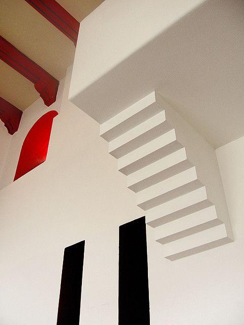 Always jaw droppin' work by my fav' Luis Barragán.  Detail of stairs in wall…..  casa Cristo…. Luis Barragan
