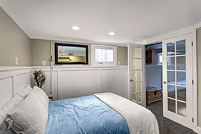 Finished basement with bedroom, office, laundry, full bath