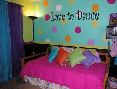 17 best ideas about bright colored bedrooms on pinterest 10948 | cbe66f13d12dd0def51f19cd9cce8508