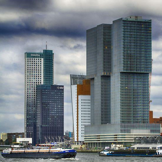 Koop 'De Rotterdam' van Fons Simons voor aan de muur.