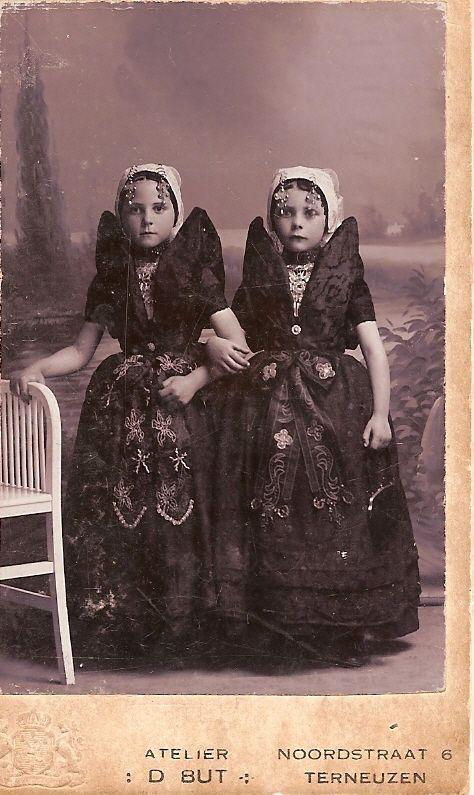 Axelse zusjes #Zeeland #Axel