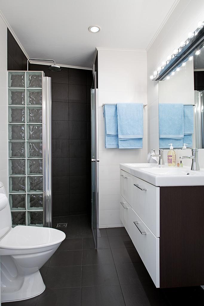 mosaic - shower