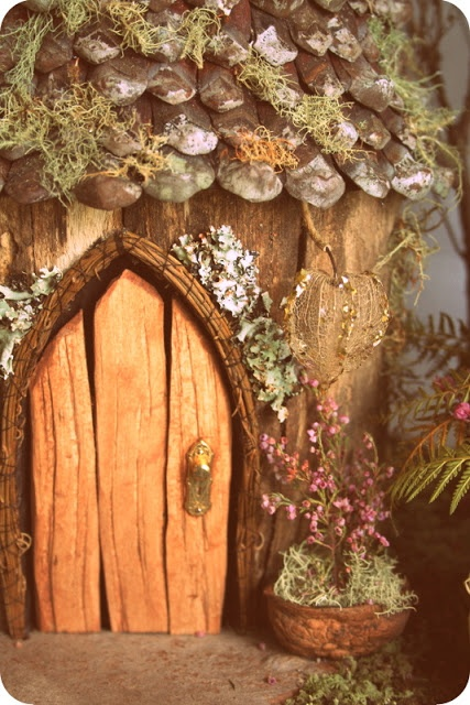1000 images about fairy doors on pinterest diy fairy for Homemade fairy doors