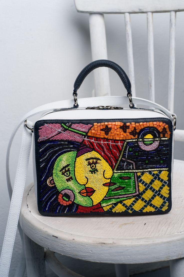 """Купить """"Художники и бисер. Пикассо"""", вышитая бисером кожаная сумочка. - белая кожаная сумочка, чемоданчик"""