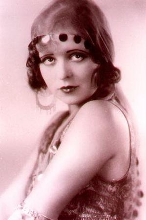 """Clara Bow, star of the silent screen, flapper extraordinaire, and the """"it"""" girl of the roaring 1920s, was born on July 29 in 1905 in Brooklyn, New York.: Vintage Postcards, 1920S Lady, 1920S Fashion, 1920S Society, Clara Bows, Movie Stars, 1920S Inspiration, 1920S People, Fashion 1920S"""