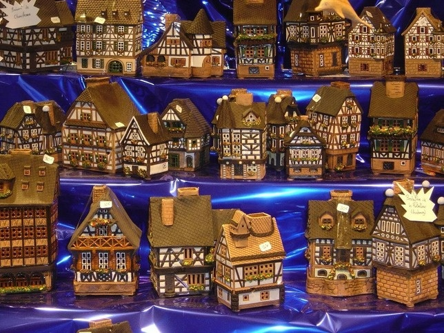 Christmas market - Miniatures of Alsatian houses. - Alsace