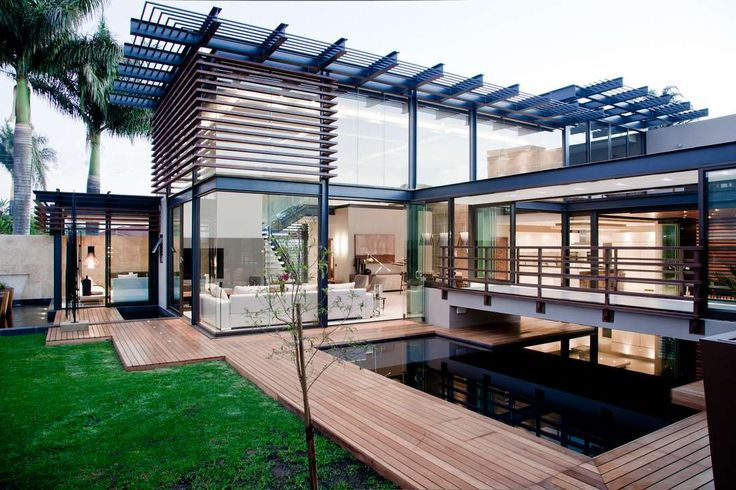 When Nico van der Meulen Architects was called in for the additions, alterations and renovations to an outdated face brick house in Limpopo, the most obvious...