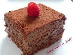 Chocolat addict, attention cette recette est pour vous .... une base de gâteau au chocolat rehaussé d'un nuage .... au chocolat......... Cette recette je l'ai découverte sur le très raffiné blog de Sandra : &OK CE BON&. Le tout premier blog que j'ai découvert...