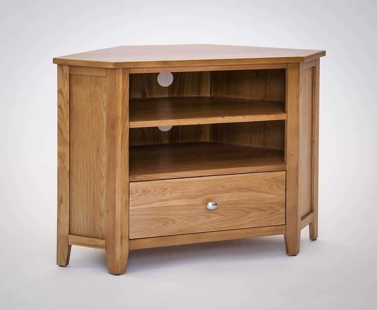 Croft Oak Corner TV Unit - The Croft Oak collection is a versatile and attractive furniture range. Capable of transforming a room in an instant, the Croft Oak range is built from a carefully chosen combination of solid and veneered Oak complemented by hard-wearing Pine. This makes the furniture range incredibly durable and long lasting.