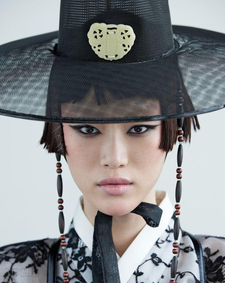 #Vogue #Korea September 2015 south-korean traditional clothes.