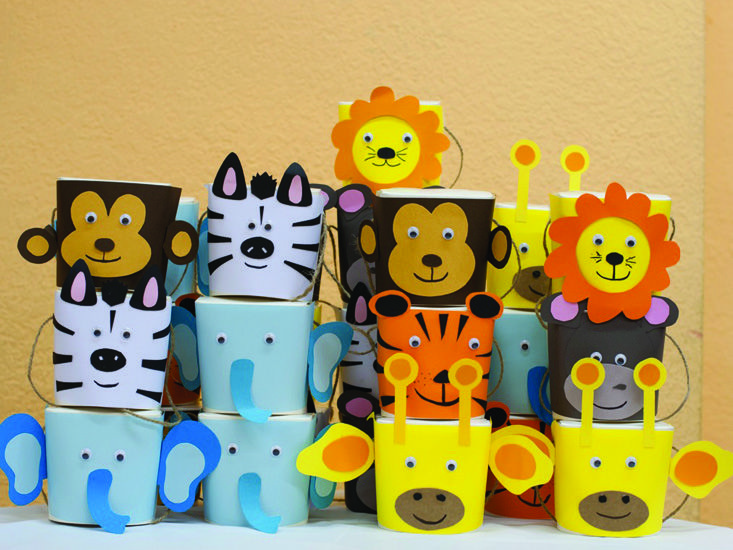 Happy Kids Box.  Tigers, Lions, Monkyes, Elephants ... filled with candies!