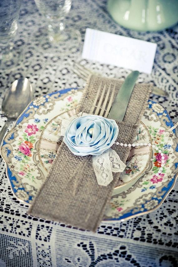 burlap silverware holdersIdeas, Vintage Plates, Tables Sets, Place Settings, Vintage Tables, Vintage Lace, Burlap Lace, Antiques Dishes, Places Sets