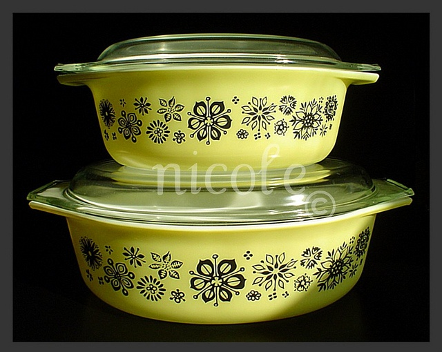 No idea what pattern this is or if it actually PYREX