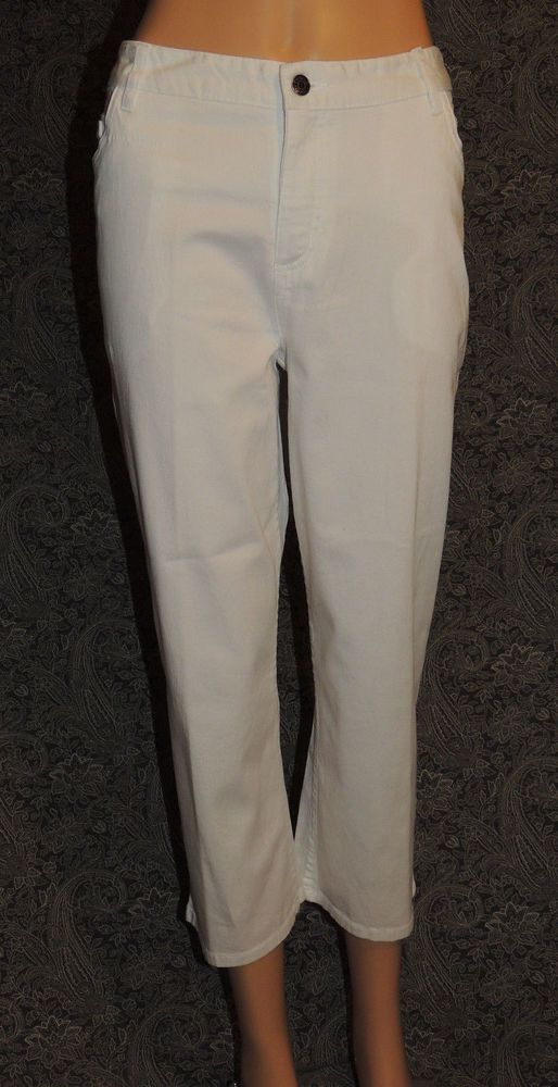 Cherokee Classic Fit at Waist White Jeans Women's Stretchy Cropped Capri Pants #Cherokee #CroppedPants