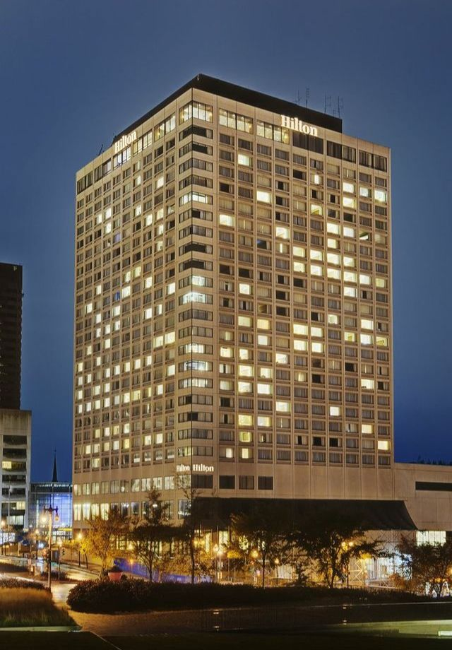 Hilton Québec at night - Hilton Québec le soir
