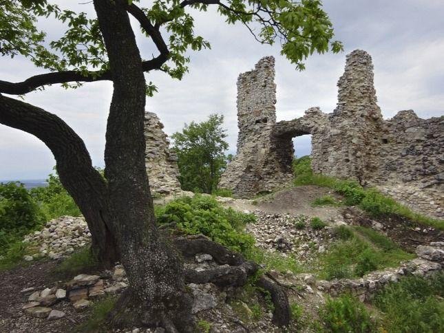 Romantikus romok után kutattunk a Vértesben