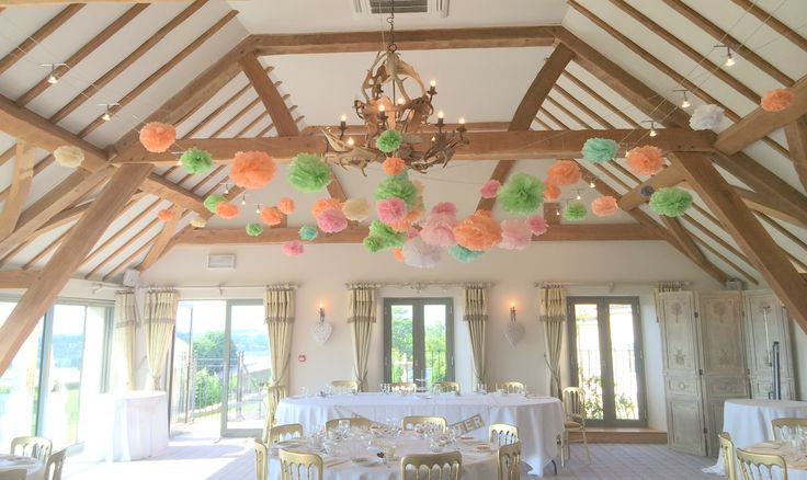A fun way to add some colour to your summer wedding