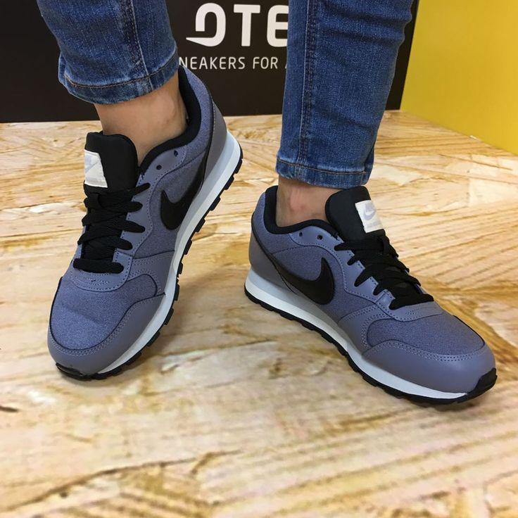 Nike MD Runner 2 Mujer