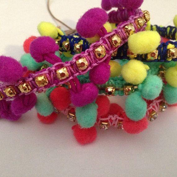 Pompom Bracelets por SisStyles1725 en Etsy