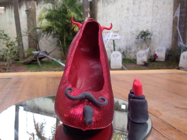 LUCY en Monster Rose. Zapatillas de chocolate especial de Halloween. www.lamansionrosa.com