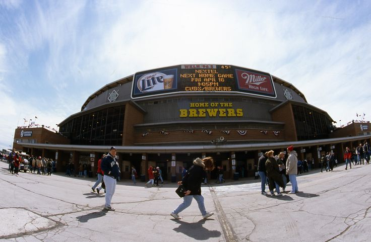 """It's #ThrowbackThursday and today we're gonna party like it's 1999. Here's your chance to score Field Outfield tickets for the #Brewers vs. Cubs game on Friday, April 25 for 1999 pricing—just $18! Click here and enter """"THROWBACK"""" as the coupon code on brewers.com.  #TBT"""