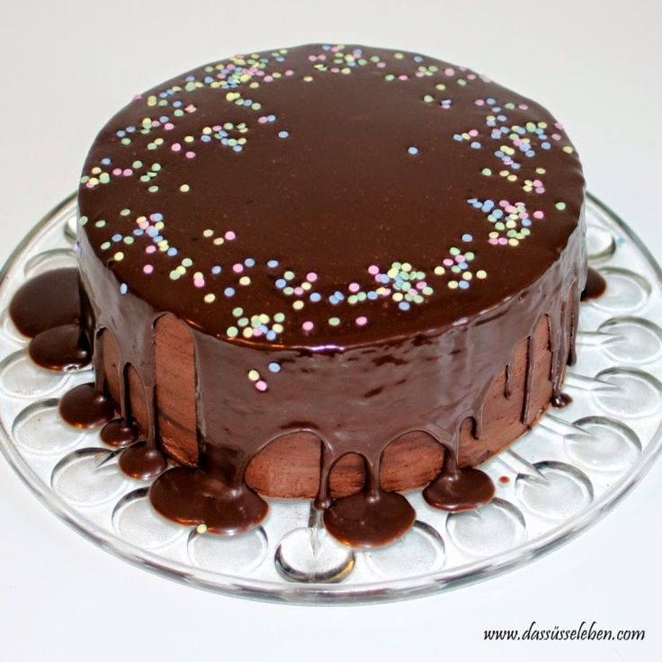 Das süße Leben: Saftige Schokoladentorte www.dassüsseleben.com