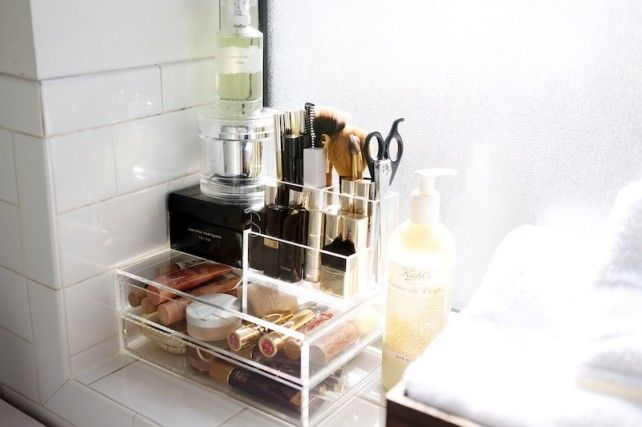 .: Vanities Organizations, Bathroom Organizations, Organizations Ideas, Makeup Storage, Beautiful Storage, Daily Makeup, Bibi Cornejo, Makeup Organizations, Storage Ideas