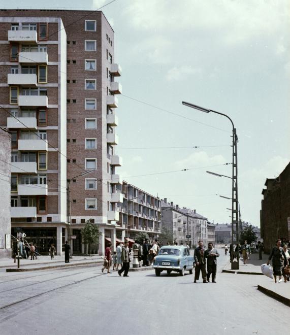 Bajcsy Zsilinszky utca az Ady híd felől nézve.