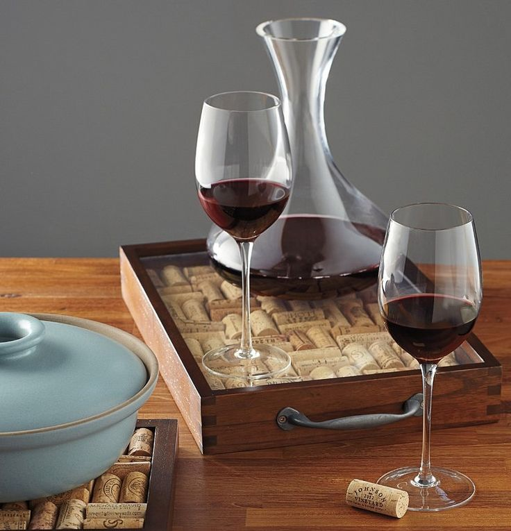Red wine decanting #RedWine #Wine #Decanting #Sommelier #Tips #Wineblog #blog #Article #Yoursommelier