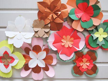 Design by Sjoesjoe - likes lovely things!  Beautiful paper flowers
