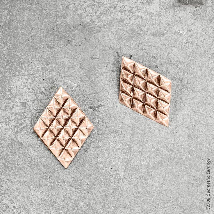 #miglio Geometric Earrings Statement diamond-shaped stud earrings in rose gold plating E2788