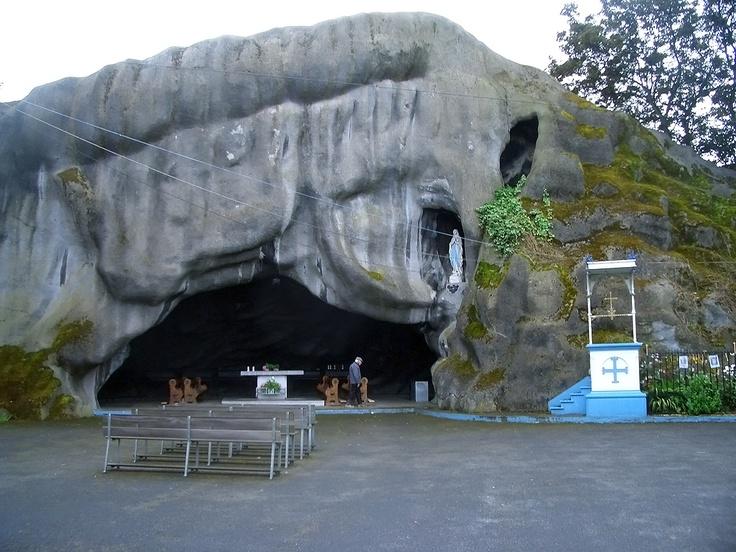 Inchicore Church Grotto - Replica of the Lourdes Grotto